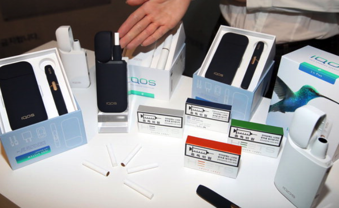 E-cigarettes had been viewed as a healthier option for smokers. (image: Yonhap)