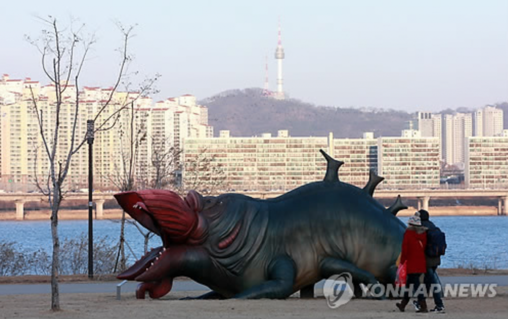 In 2015, the government built a monster sculpture from South Korea's sci-fi hit The Host at the Yeouido Han River Park, which was rapidly denounced as a public monstrosity. (image: Yonhap)
