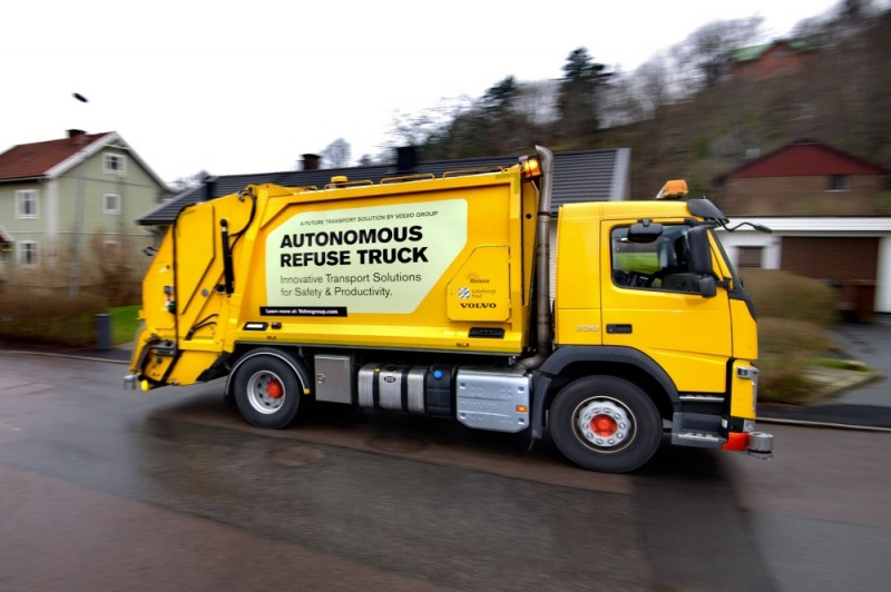 Volvo Pioneers Autonomous, Self-driving Refuse Truck in the Urban Environment