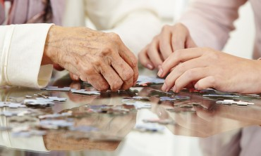 Gov't to Take More Responsibility for Dementia Patients