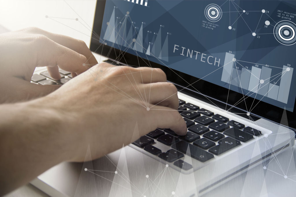 Fintech, a portmanteau of the words 'finance' and 'technology', refers to the use of IT services to replace traditional human-based processes or interaction, examples of which include internet payment systems such as Paypal. Similar services are found in South Korea including Samsung Pay and Kakao Pay. (Image: Kobiz Media)