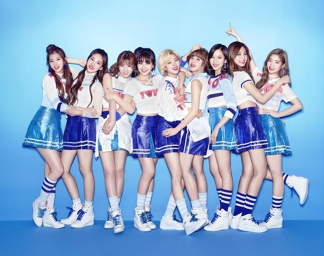 TWICE's Japanese Debut Album Ranks No. 2 on Oricon Chart
