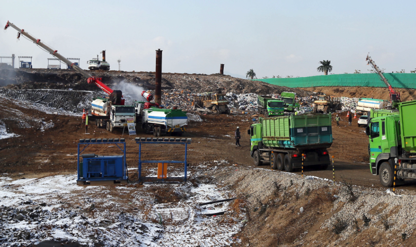 """""""The revision will reduce landfill waste by roughly a third of the current amount, subsequently reducing social and environmental costs, and promote the recycling of waste resources."""" (image: Yonhap)"""