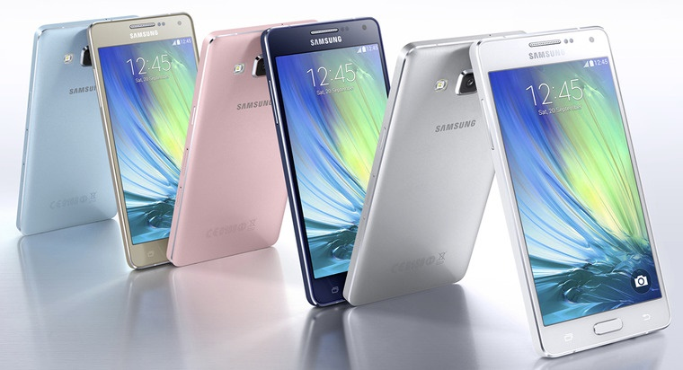 Samsung Electronics Co. on Wednesday showcased its mid-end Galaxy A7 smartphone, which comes with top-notch features adopted by its flagship models. (Image: Samsung Electronics)