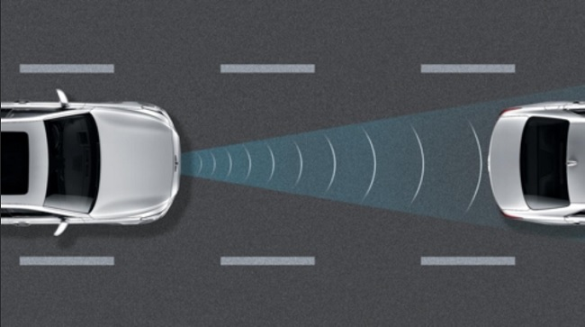 FCA, BCW, RCTA make use of sensors positioned around a car to pick up on people or objects that get too close. If they do, depending on the sensor, the car is either automatically braked or is very carefully maneuvered to evade the obstacle. (Image: Mercedes-Benz Korea)