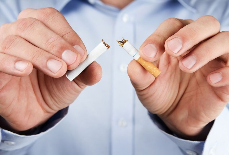 Young Men Working in Service Sector Struggle to Quit Smoking