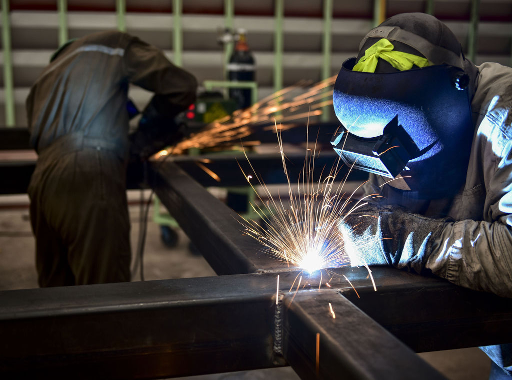 The issues that are being debated during the negotiations are diverse and run the gamut from salary to production quotas for manufacturing centers. (Image: Kobiz Media)