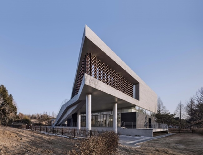 "This photo shows the exterior of ""Mokyeonri: Kinetic Wood Museum"" at Incheon Grand Park in Incheon, west of Seoul. (Image: SOftARchitectureLAB)"