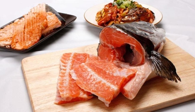 Sales of both salmon head and squid mouth surged after the rather unusual off-cuts received the cooking show treatment, which saw a significant number of Koreans share recipes and information on where to buy them on social media. (Image: Auction)