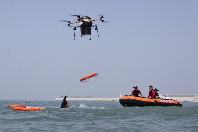 Moments later, a rescue drone hurtled towards the swimmer's location, and dropped the life preserver it was carrying. (Image:SKT)