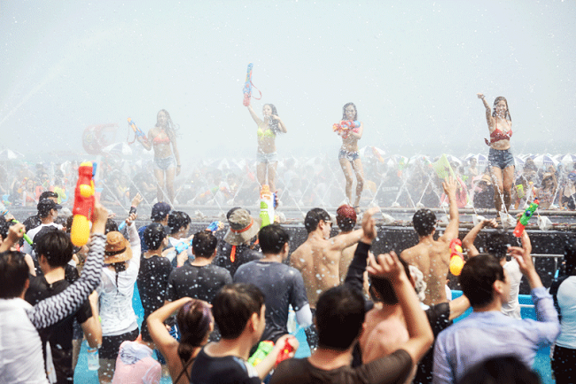 Festivals Galore as Korean Beaches Open for the Summer