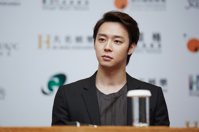 Scandal-ridden Park Yu-chun Opens Up about Marriage