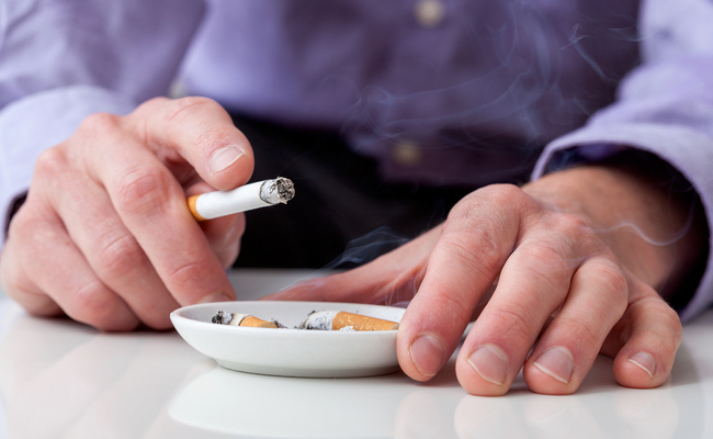 More Than Half of Male Cancer Patients Continue to Smoke After Initial Diagnosis