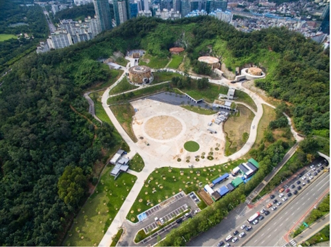 The existence of the Mapo oil storage site, a maximum security facility sitting on the slopes of Mt. Maebong in Seoul, was revealed for the first time in forty years and is now being transformed into a cultural complex. (Image: Yonhap)