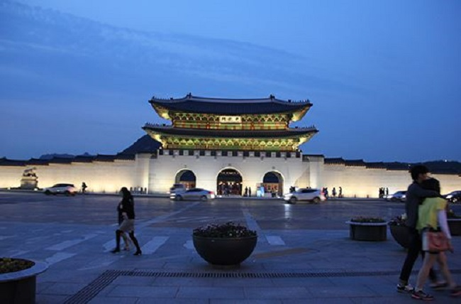 Experience an Evening of Korean Royalty at Gyeongbokgung Palace