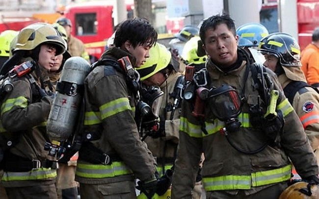 "With the city's fire department running a ""buddy program"" to assist employees with psychological difficulties, the city's lack of interest, lack of financial means, and lack of initiative means society is once again sending its bravest to put out literal and mental fires on their own. (Image: Yonhap)"