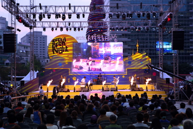 Starting from six in the evening until eleven-fifteen at night, some of the musicians queued to appear are Kim Ban Jang, Hareem and Cherry Filter. (Image: Korea Tourism Organization)