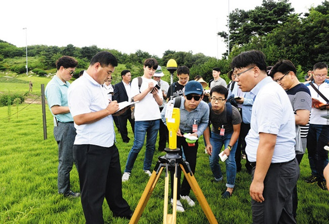 During a six-minute test, the radiation level at a spot 100 meters from the radar was measured at 0.01659 watts per square meter on average. (Image: Yonhap)