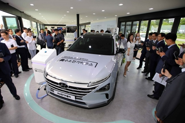 """It is not only the very first hydrogen energy experience zone in South Korea, but also in the world. The intention is to promote hydrogen energy, a type of pollution-free environment-friendly energy, and raise awareness of the importance of environmental protection,"" the Seoul government said on Thursday. (Image: Hyundai Motors)"