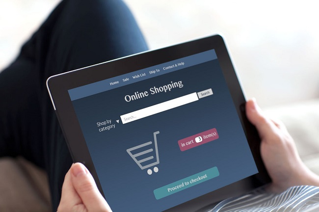 The online shopping expenditures for single-person households and men in their 50s came in at 56.9 percent and 59 percent, respectively. (Image:Kobiz Media)