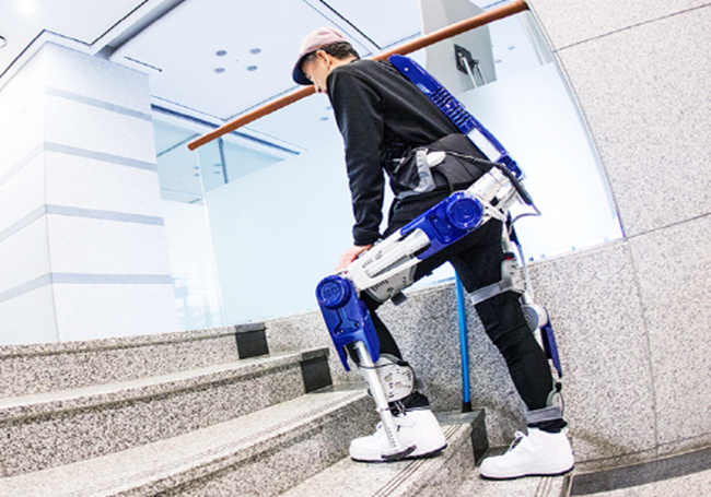 Soft wearable suit technology development projects are often intended to cater to the elderly using intelligence information technology in the form of an outfit to help ensure walking safety, for instance.(Image: Hyundai Motors)