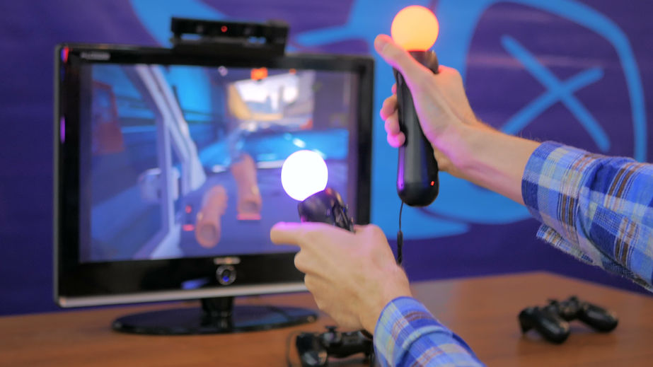 The Ministry of Culture, Sports and Tourism is set to implement a new gaming law amendment which will scrap the limit on the height of barricades for virtual reality arcade machines and remove restrictions on internet gaming centers, widely known in Korea as PC bangs, that serve food. (Image: Kobiz Media)