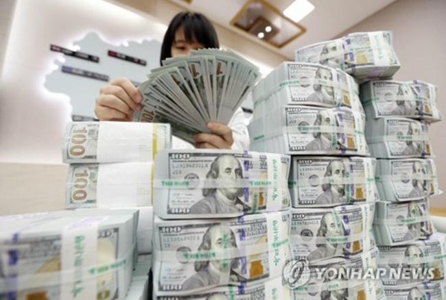 Banks' Foreign Currency Deposits Rise in July