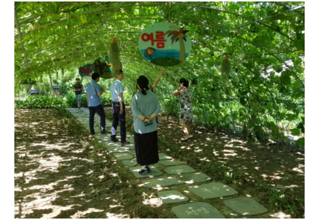 The shelters, which were in service in 271 towns in 2014 and expanded to 392 last year, before being reduced to 350 to choose substance over appearance. (Image:North Gyeongsang Province)