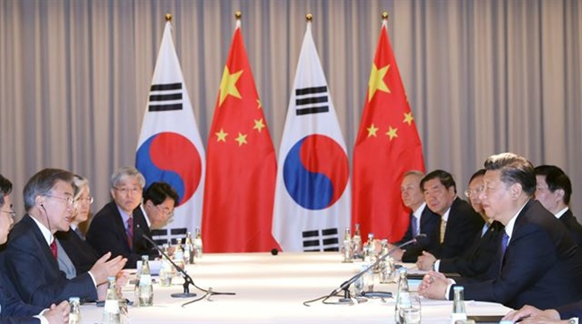 Tensions between South Korean and China over the deployment of a THAAD anti-missile system is spilling over into the 25th anniversary of diplomatic relations between the two countries, as reports suggest celebrations will be held separately, with the upcoming events rumored to be reduced in scale compared to years past. (Image: Yonhap)