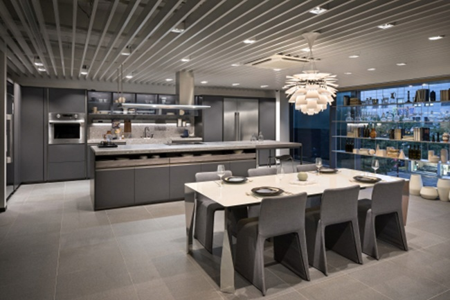 The very first showroom store named after LG's premium 'Signature Kitchen SUITE' brand opened on Thursday in the Gangnam District's Nonhyeon neighborhood, one of the busiest areas in Seoul. (Imaeg: LG Electronics)