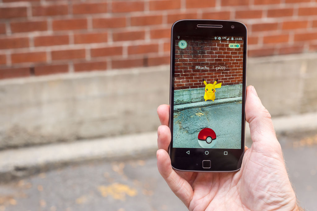 Mobile app analytics company WiseApp discovered after studying a sample of 23,000 smartphone users that approximately 1.34 million people played Pokémon Go in South Korea during the month of July, a figure lower than a year ago before the virtual reality based app was officially released in the country. (Image: Kobiz Media)