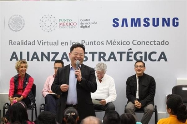 It was announced on Saturday that Samsung Electronics and the Secretaría de Comunicaciones y Transportes, Mexico's Ministry of Communications and Transport, have shaken hands on a deal that will see the Korean company support the Puntos México Conectado (PMC) initiative carried out by the ministry. (Image: Yonhap)