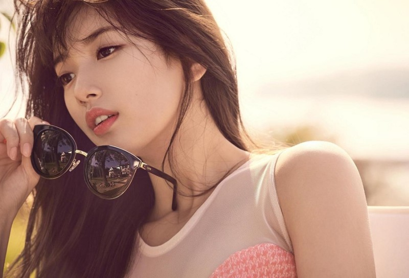 Suzy Renews Contract with JYP Entertainment