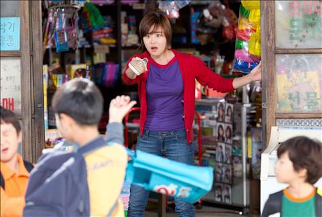 "South Korean stationery stores have been struggling to survive in the face of stiff competition from Japanese dollar-shop chain Daiso, industry sources said Tuesday, with many calling on the franchise to focus on household items. (Image: Scene from ""Happiness for Sale"")"