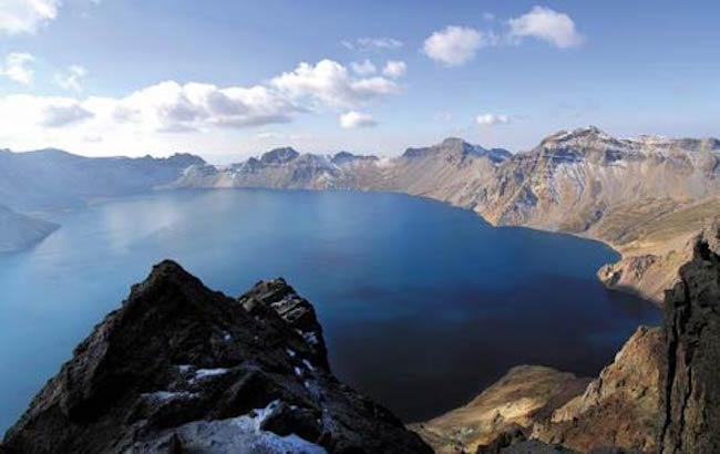 Some among the attendees expressed that the recent spate of North Korean nuclear tests could have an effect on Mt. Paektu's potential eruption. (Image: Yonhap)
