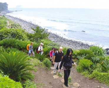 Majority of Koreans See Jeju Olle Trail Favorably