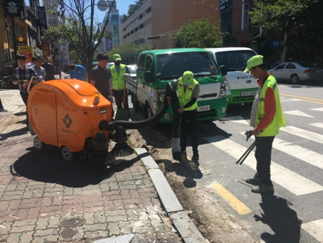 Gwangju Deploys Cleaning Robots