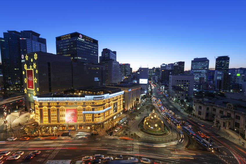 In a survey conducted with Chinese tourists earlier this year by PENGTAI, Cheil's marketing affiliate, Myeongdong was even knocked out of the top 10 most popular spots in Seoul by the likes of emerging places like Hongdae and Yeouido Hangang Park, down 10 places from last year. (Image: Kobiz Media)