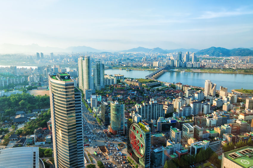 A new study says an average household in Seoul has to work for a decade and save up without spending a penny before buying a home. (Image: Kobiz Media)