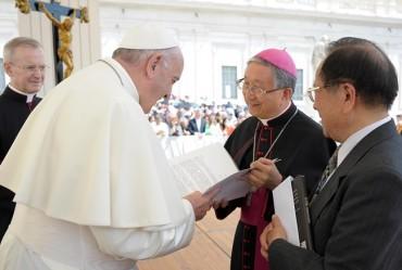 Pope Francis Calls for Peace on Korean Peninsula