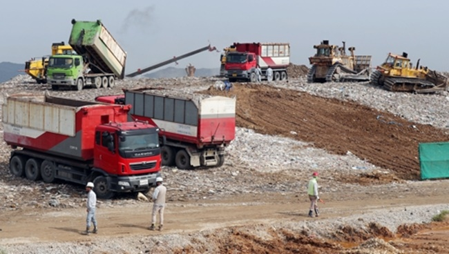 The South Korean government is revamping some of the landfill sites in Seoul and the surrounding area as renewable energy power plants. (Image: Yonhap)