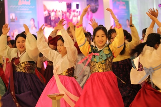 Korea Tourism Organization Holds '2017 Love Korea Weekend' in Bangkok