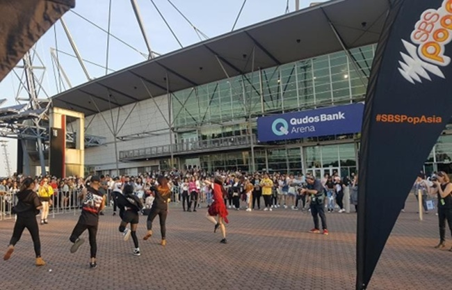 The Korean pop culture festival KCON was held at Qudos Bank Arena in Sydney, Australia over the weekend, attracting over 20,000 Oceanian fans. (Image: Yonhap)