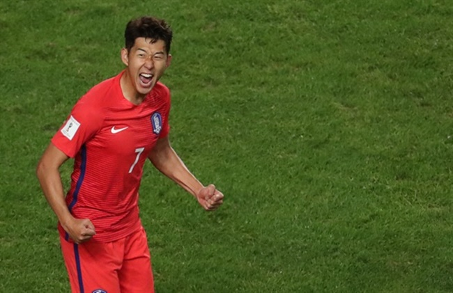 Football Star Son Heung-min Named S. Korea's Favorite Athlete in Poll