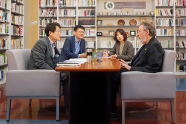 American Educational Theorist Michael Apple Visits Seoul, Discusses Educational Inequality, Private Schools