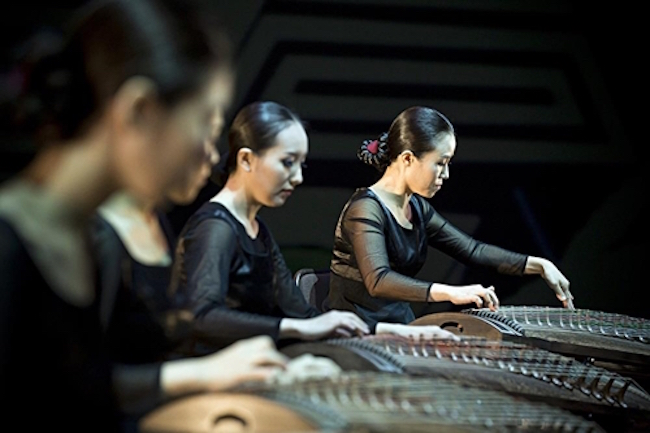 A massive performance involving 1,004 gayageums will be staged during an annual festival this week to promote the traditional string instrument's Korean origin, organizers said Wednesday. (Image: Yonhap)