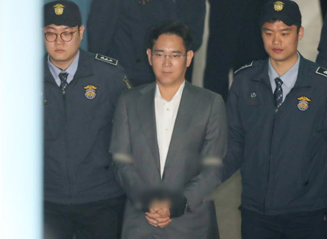 After the resignation of fellow Vice Chairman Choi Ji-sung of the Future Strategy Office, Kwon was the only one with equal title to the legally troubled scion Lee plus the decades of experience to possibly pull rank. (Image: Yonhap)