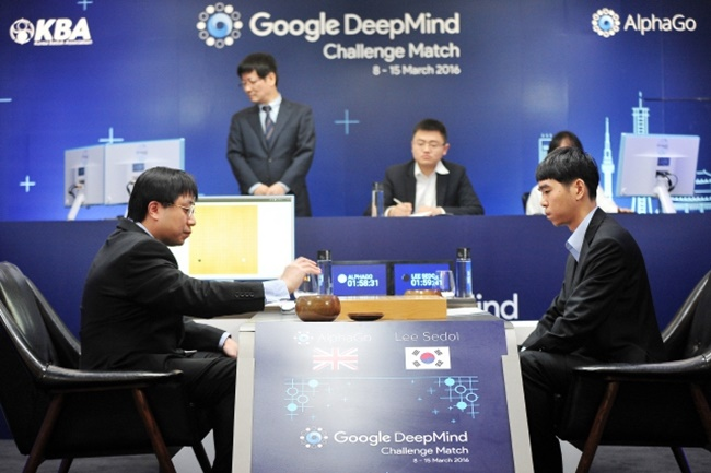 South Korean Go players are reacting rather positively to reports of AlphaGo Zero, with high-profile figures like Lee Se-dol expressing excitement and saying the new AI would stimulate young Go players. (Image: Google)