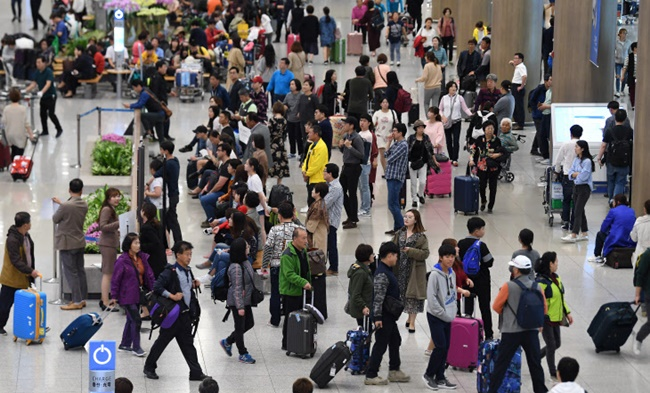 Japanese nationals posted the biggest increase rate among visitors from major countries. (Image: Yonhap)