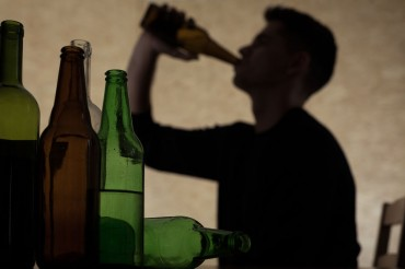 More Teenagers Suffering from Alcoholism: Data
